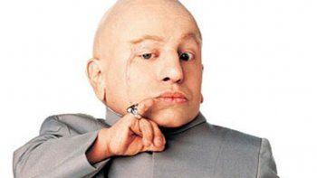 a los 49 anos murio mini me, el actor de austin powers