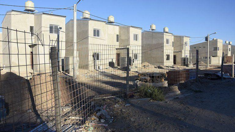 En dos años adjudicarán 3 mil casas en Neuquén