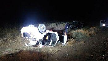 un policia grave tras volcar con su auto en la ruta 237