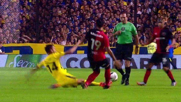 Opazo entró poco en juego. Recibió una patada durísima de Sebastián Pérez en el arranque.