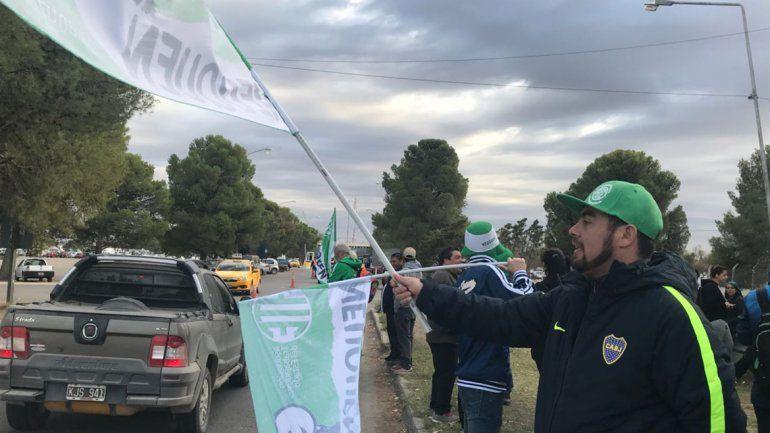 ATE protestó en el ingreso al aeropuerto para repudiar la presencia de Macri