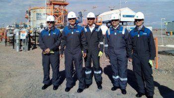 Macri y Gutiérrez se pusieron el uniforme de YPF