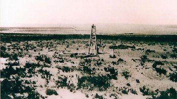 a cien anos del hallazgo del primer pozo de petroleo
