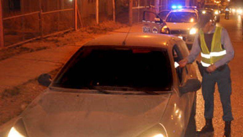 Conductores borrachos intentaron atropellar a inspectoras en un control