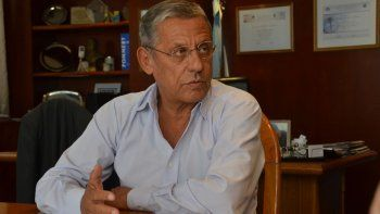contrapunto. El intendente Pechi Quiroga y el concejal Alejandro Nicola (MPN) discreparon sobre las tasas.