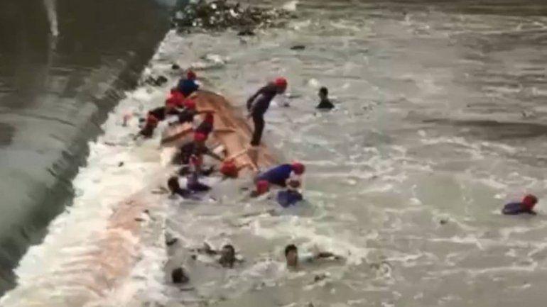 Ocho barcos y 200 rescatistas participaron de la búsqueda.