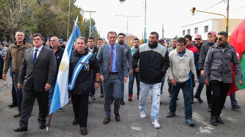 Con un desfile, Huincul festejó su 52º aniversario