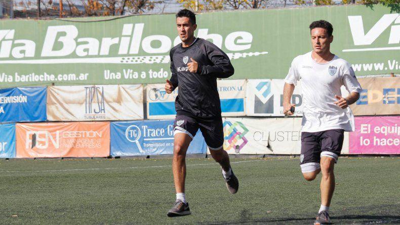 Ávila y Valente. El defensor seguía entrenando pensando en la Copa.