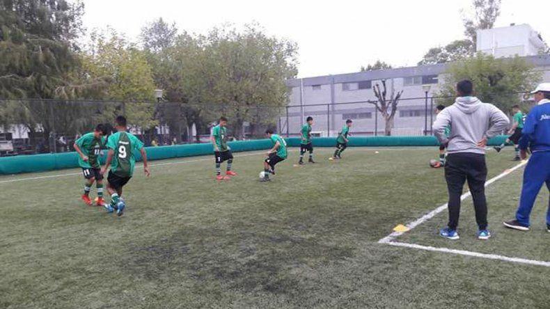 La selección neuquina hizo un gran papel ante San Lorenzo.