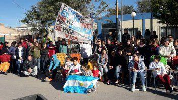 Conflicto docente: piden ayuda al Concejo con una clase pública