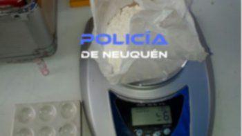 Buscaban una bicicleta pero encontraron armas y drogas
