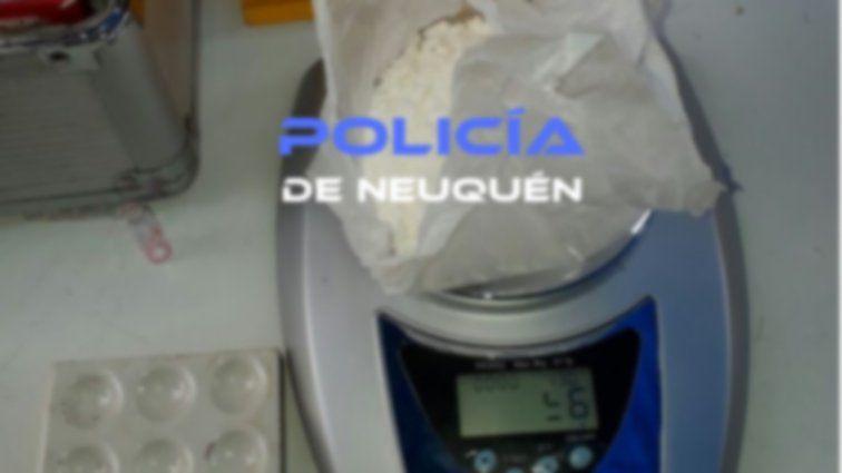 Fueron por una bicicleta robada y encontraron armas y drogas
