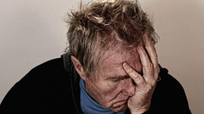 El estudio fue publicado en la revista Clinical Psychological Science. Las personas que se encuentran deprimidas están más enfocadas en sí mismas y menos conectadas con los demás y lo expresan en palabras.