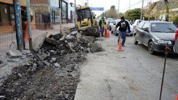 Operarios municipales trabajaron ayer en la obra.