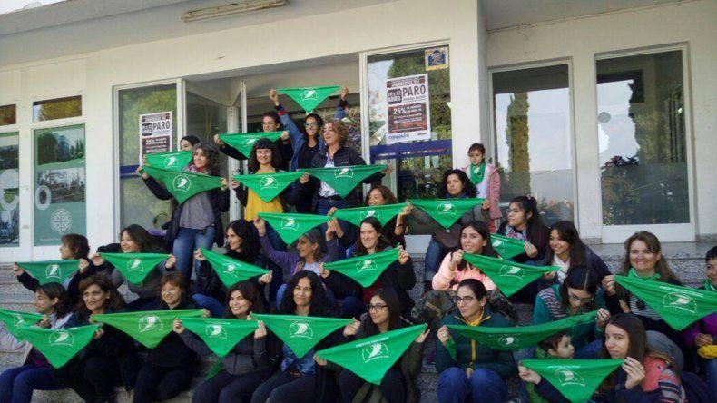 Universitarias e investigadoras de la UNCo firmaron a favor del aborto