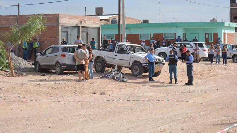 Un adolescente le sacó la camioneta a la madre y atropelló a 3 personas: una murió