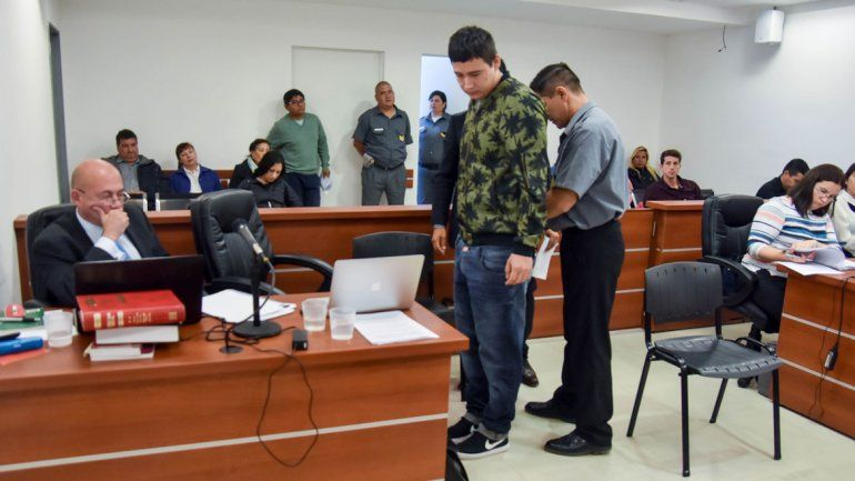 Un testigo complicó al petrolero que atropelló y mató