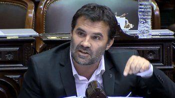A Martínez no le vendieron figuritas porque votará a favor del aborto