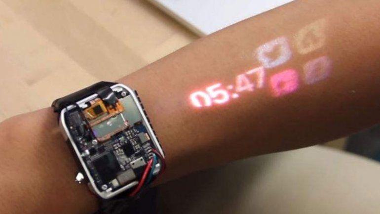 El brazo, la pantalla táctil de nuestro reloj