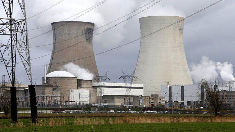 Paralizan un reactor por una leve fuga nuclear en Bélgica