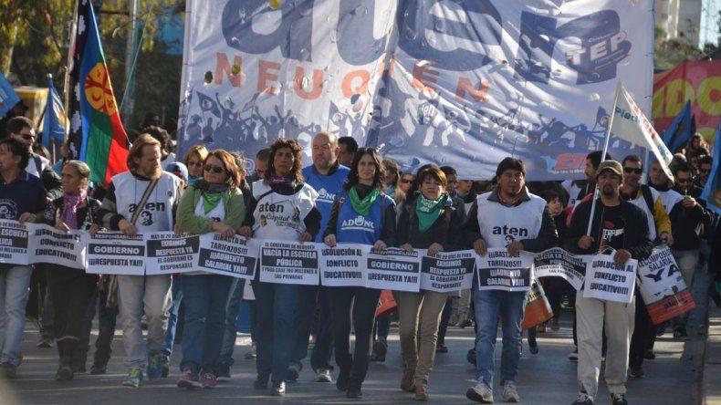Día del Trabajador: muchos gremios coparon la calle