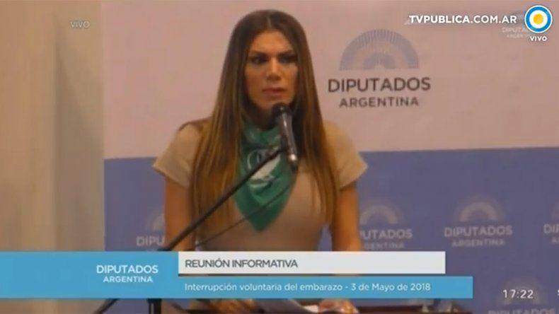 Flor de la Ve habló en Diputados por el aborto legal: El femicida de mi madre fue el Estado