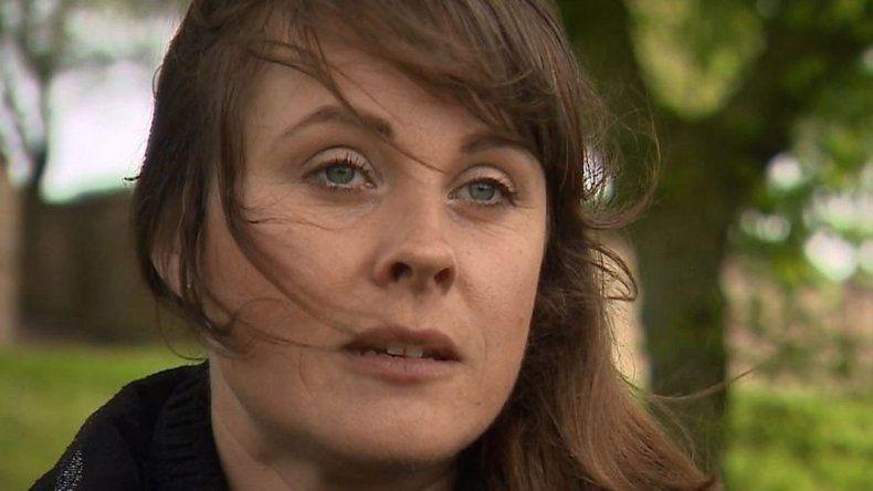 Rebecca Barker dijo que su adicción comenzó después de tener a su tercer hijo. Ese problema terminó con su matrimonio.