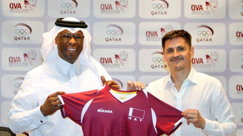 Camilo Soto viajó para conducir al seleccionado catarí durante dos años. Hace 15 días se mudó a Doha