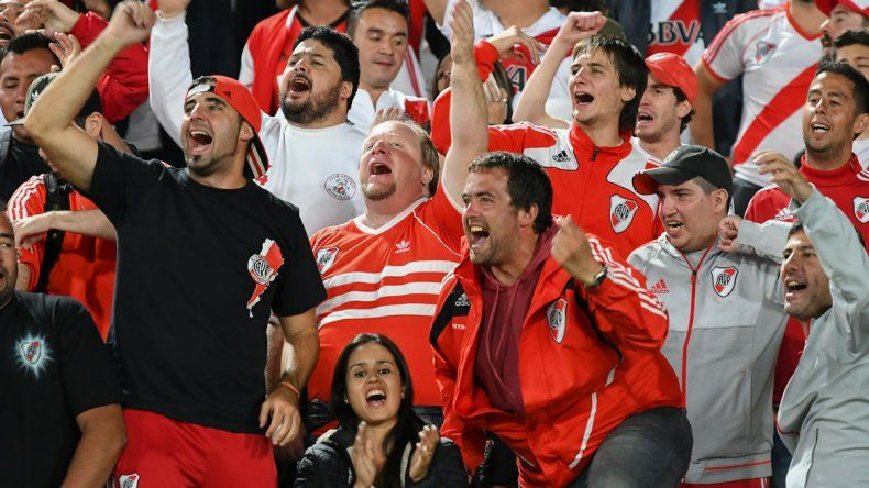 La hinchada del Millo copó Bogotá y celebró una nueva victoria.