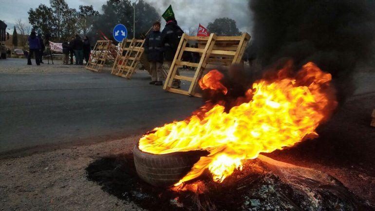 Obreros ceramistas liberaron el tránsito sobre la Ruta 7