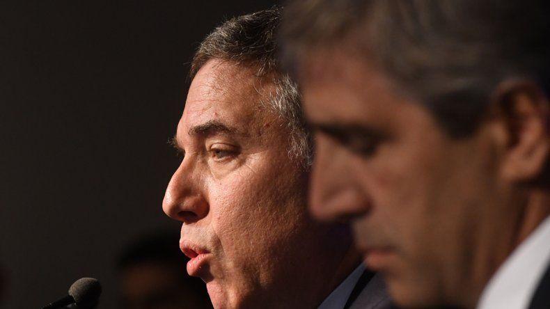 Dujovne anunció la baja fiscal y el recorte en el gasto público