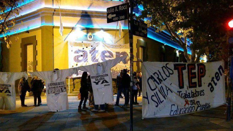 ATEN sigue su reclamo con una serie de protestas