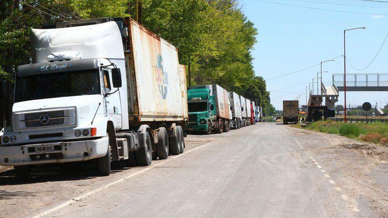 Un conflicto de ATE traba exportaciones de fruta