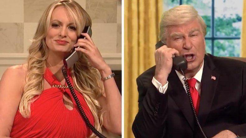 La actriz porno Stormy Daniels se burló de un Trump falso en la televisión