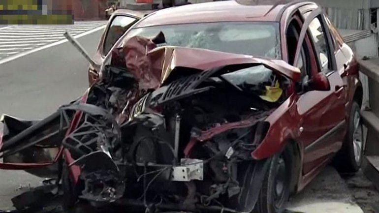 Se mandó en contramano en plena autopista y chocó: un herido grave
