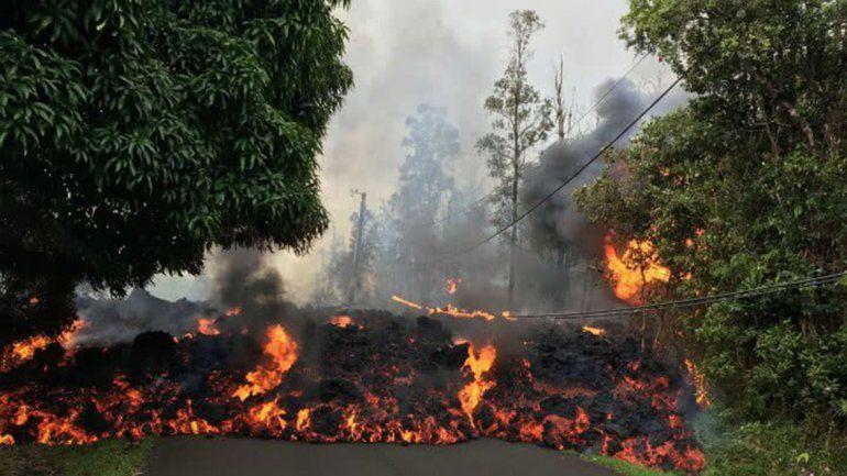 Así la lava de un volcán se come una ciudad