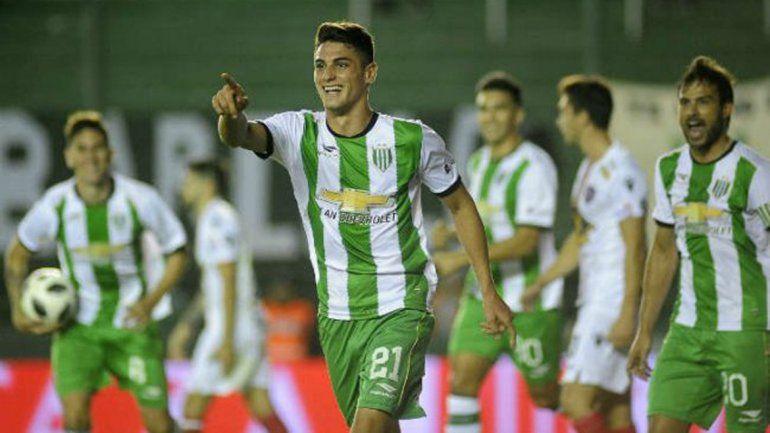 Carranza marcó los dos goles en la victoria del Taladro.
