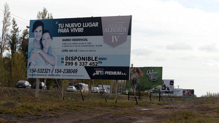 El municipio sacará todos los carteles publicitarios a orillas de las Ruta 22.