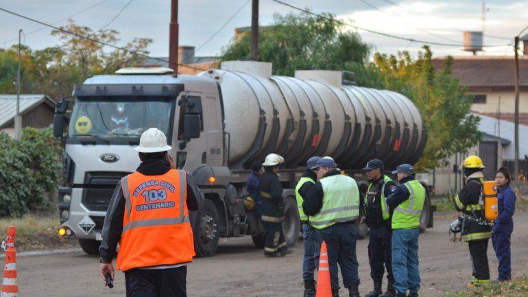 Defensa Civil y Bomberos interrogaron al transportista de Córdoba.