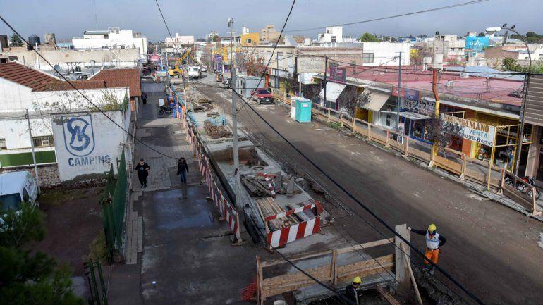 Pérdidas y bronca por las obras sobre calle Láinez