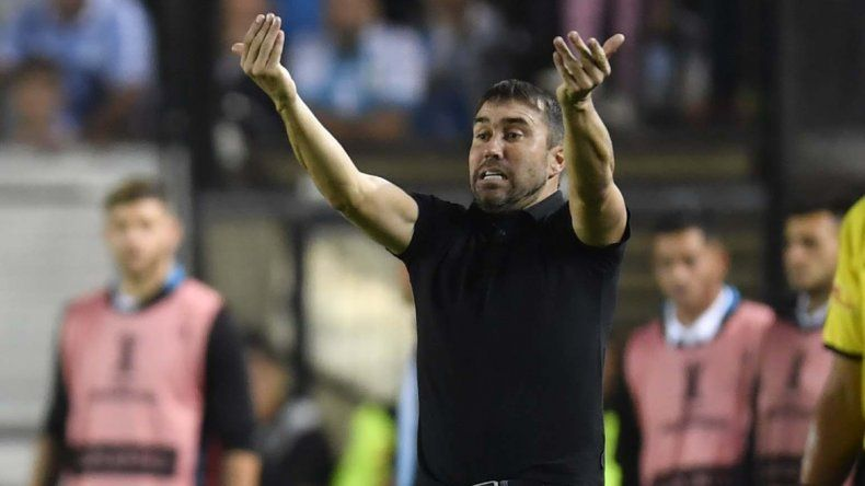 Para coparse, Racing está obligado a derrotar al descendido Arsenal