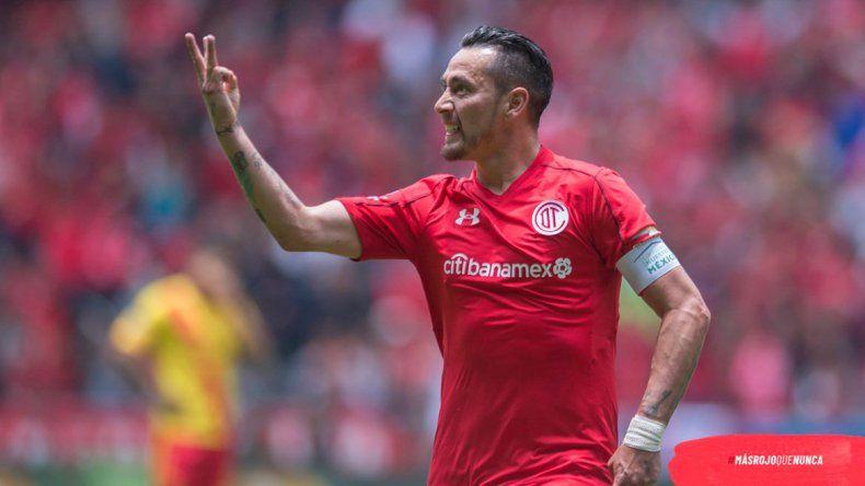 Rubens viene de convertir uno de los goles más lindos que hizo.