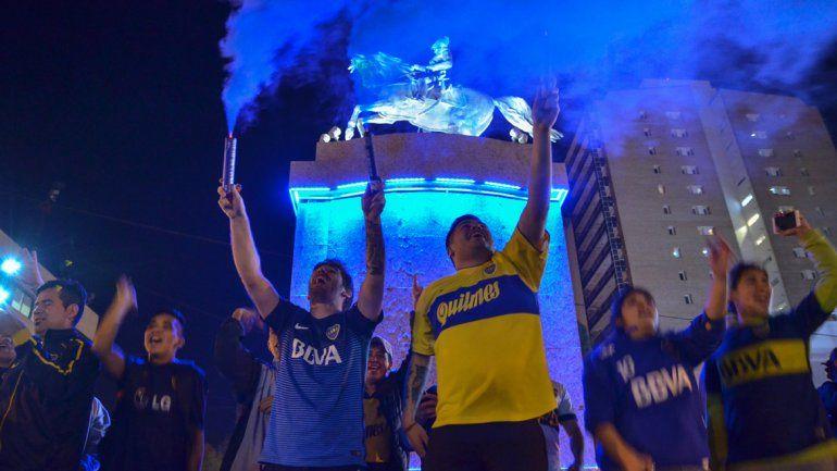 El Alto Valle celebró a pleno la conquista. Los festejos se iniciaron en el Bosque con una gastada a River y tuvieron su continuidad en La Bombonera. Neuquén y Cipolletti estallaron con el bi.