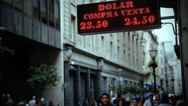 El dólar cerró en $23,72 tras una intervención del Banco Central