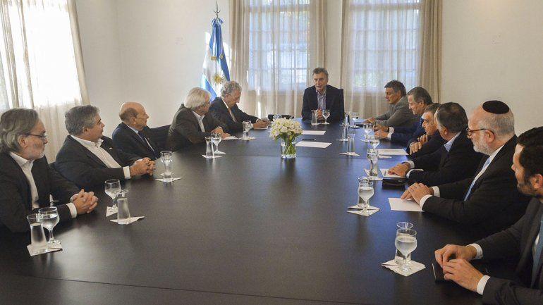 Macri se reunió con su equipo y empresarios para analizar la economía