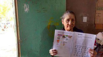 a los 70 anos, aprendio a leer escuchando la radio