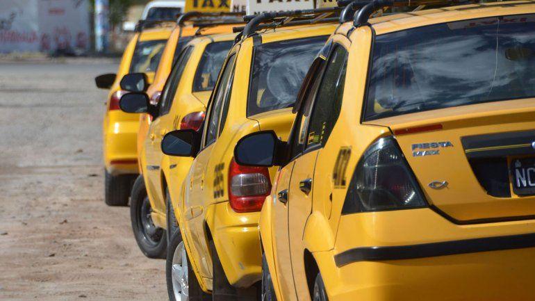 Aumentan los taxis y la bajada de bandera superará los $23