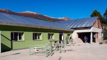 tras un incendio, reconstruyen el colegio de lonco mula