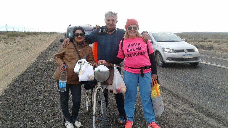 Caminó desde Huincul hasta Neuquén por una casa