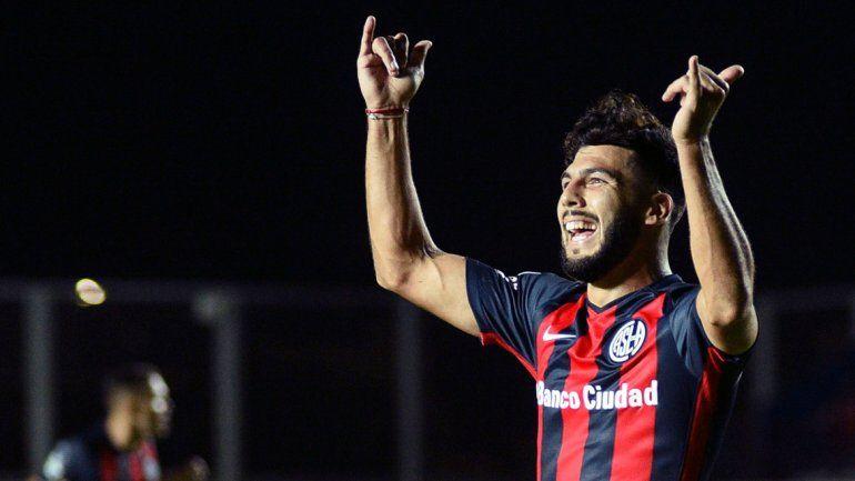 Pratto, figura de River, y Gudiño, volante con gol en San Lorenzo. Gran partido en el Monumental.